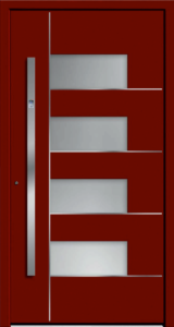 Czerwone drzwi zewnętrzne z klamką w pionie. Na środku drzwi są szklane okienka biegnące z góry na dół